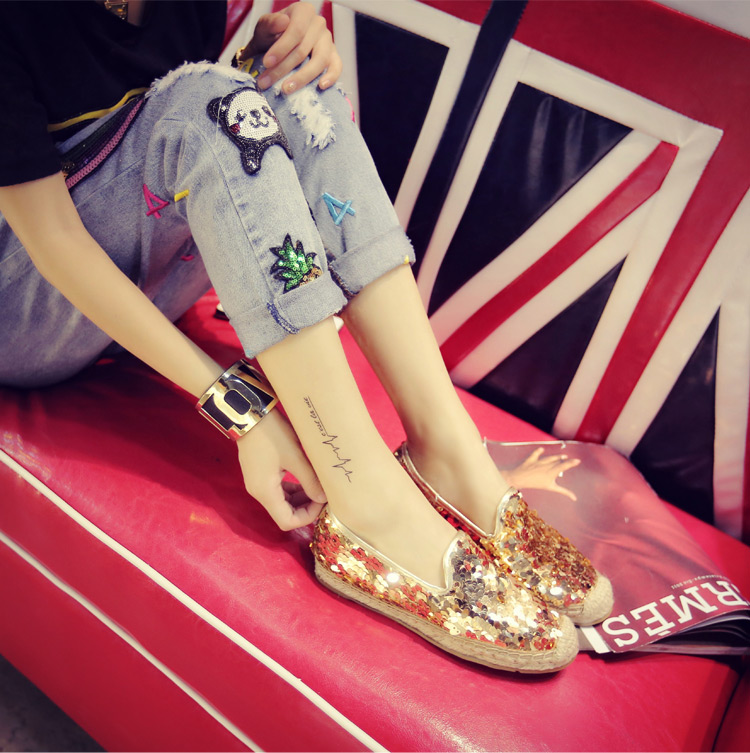 398093e9583 Chiara Ferragni Logo Spring Women Flat Loafers High Quality Silver Gold Glitter  Lipstick Flats Comfortable Casual Slip on Loafer-in Women s Flats from Shoes  ...