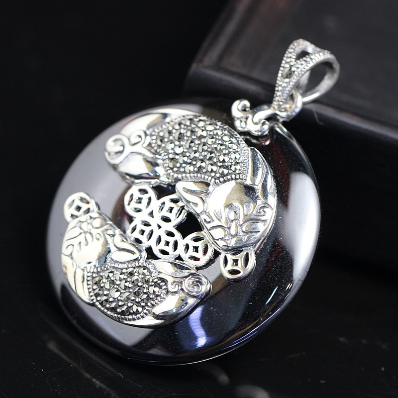 silver wholesale 925 Sterling Silver Pendant retro color lady Thai silver inlaid garnet red zirconium Pi Xiu Pendantsilver wholesale 925 Sterling Silver Pendant retro color lady Thai silver inlaid garnet red zirconium Pi Xiu Pendant