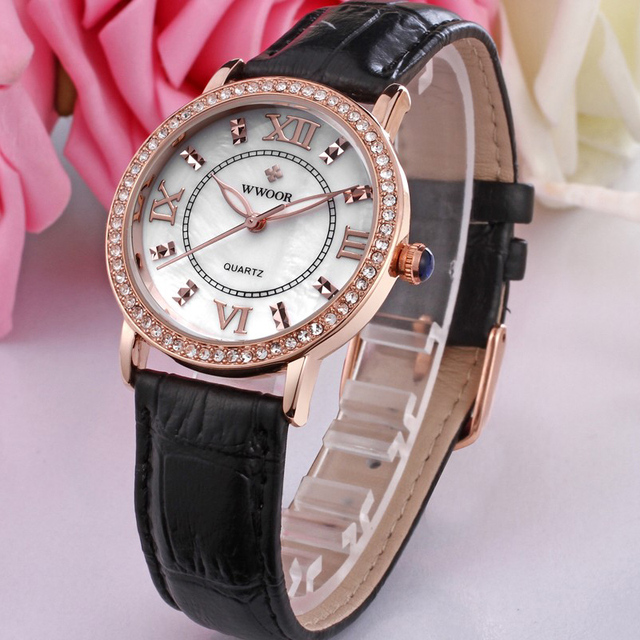 WWOOR Women Watches 2019 Top Brand Luxury Fashion Women's Rhinestone Red Leather Watch Rose Gold Watch Female Zegarek Damski