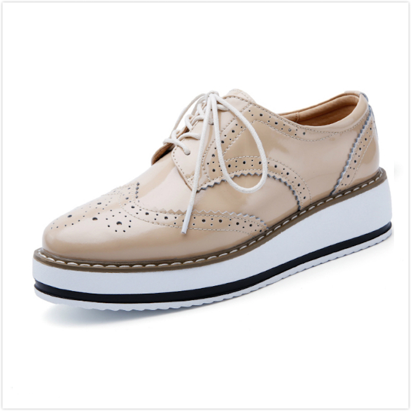 Women Platform Oxfords Brogue Flats Shoes Patent Leather Lace Up Pointed Toe Luxury Brand Beige Red Black Pink Creepers qmn women crystal embellished natural suede brogue shoes women square toe platform oxfords shoes woman genuine leather flats