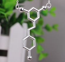 YPQ0511 Red Wine Resveratrol Molecule Chemistry Necklace in Gold or Silver High quality jewelry free shipping