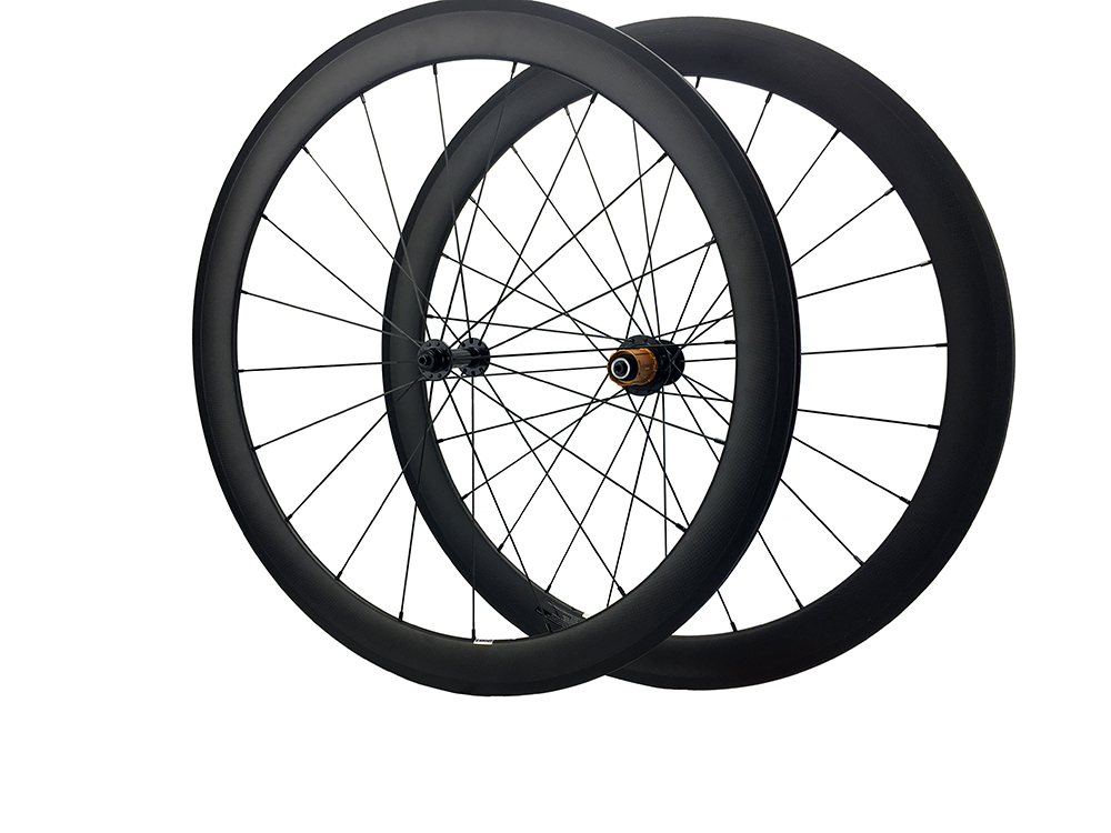 цена на Carbon Wheels650C 38mm/50mm Clincher Road Bike Wheel 20.5mm Chinese Wheelset R13,Ceramic Bearing Hub Sapim Spoke 26inch/26''
