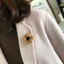 2018 Wool Flowers Pin Brooch For Women Girl Sister Fashion Sweater Denim Jacket Collar Badge Knitting Flowers Pins Jewelry Gift(China)
