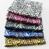 100 см * 148 см африканская леопардовая Печать Мягкий Атлас Шармез ткань Tissu текстильные постельные принадлежности для дома одежда материал