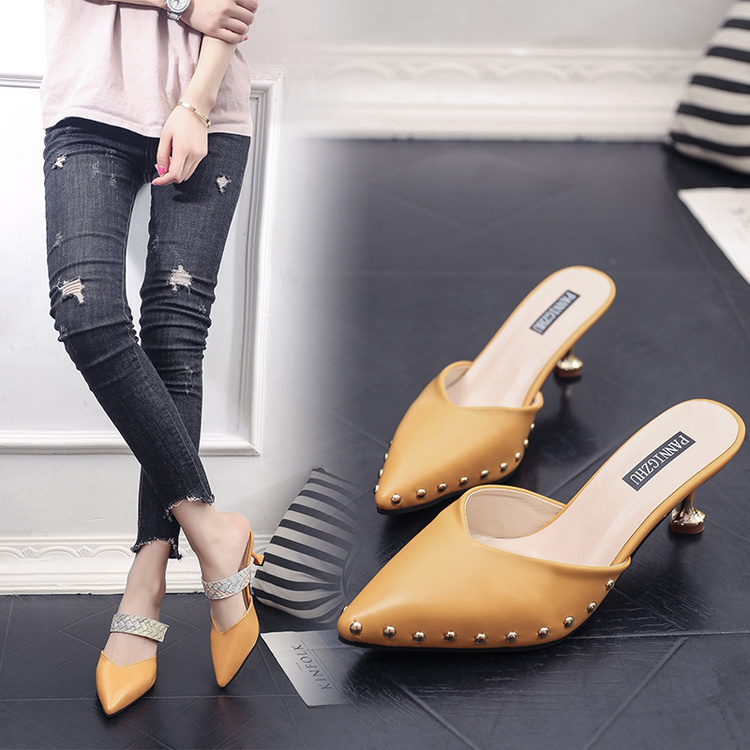 Women Summer Mules Slippers High Heels Ladies Rivets Pointed Toe Strange Style Outside Shoes For Girls Drop Shipping womanWomen Summer Mules Slippers High Heels Ladies Rivets Pointed Toe Strange Style Outside Shoes For Girls Drop Shipping woman
