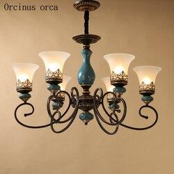 Amerykański antyczny żelazny żyrandol salon lampka do sypialni europejski klasyczny design prosty szklany żyrandol darmowa wysyłka w Wiszące lampki od Lampy i oświetlenie na