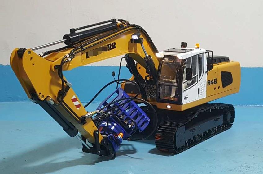 1/14 RC Metal Hydraulic Excavator 946 - 13