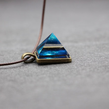 Natural luminous crystal pendant pyramid dreamy luminous star necklace men and w