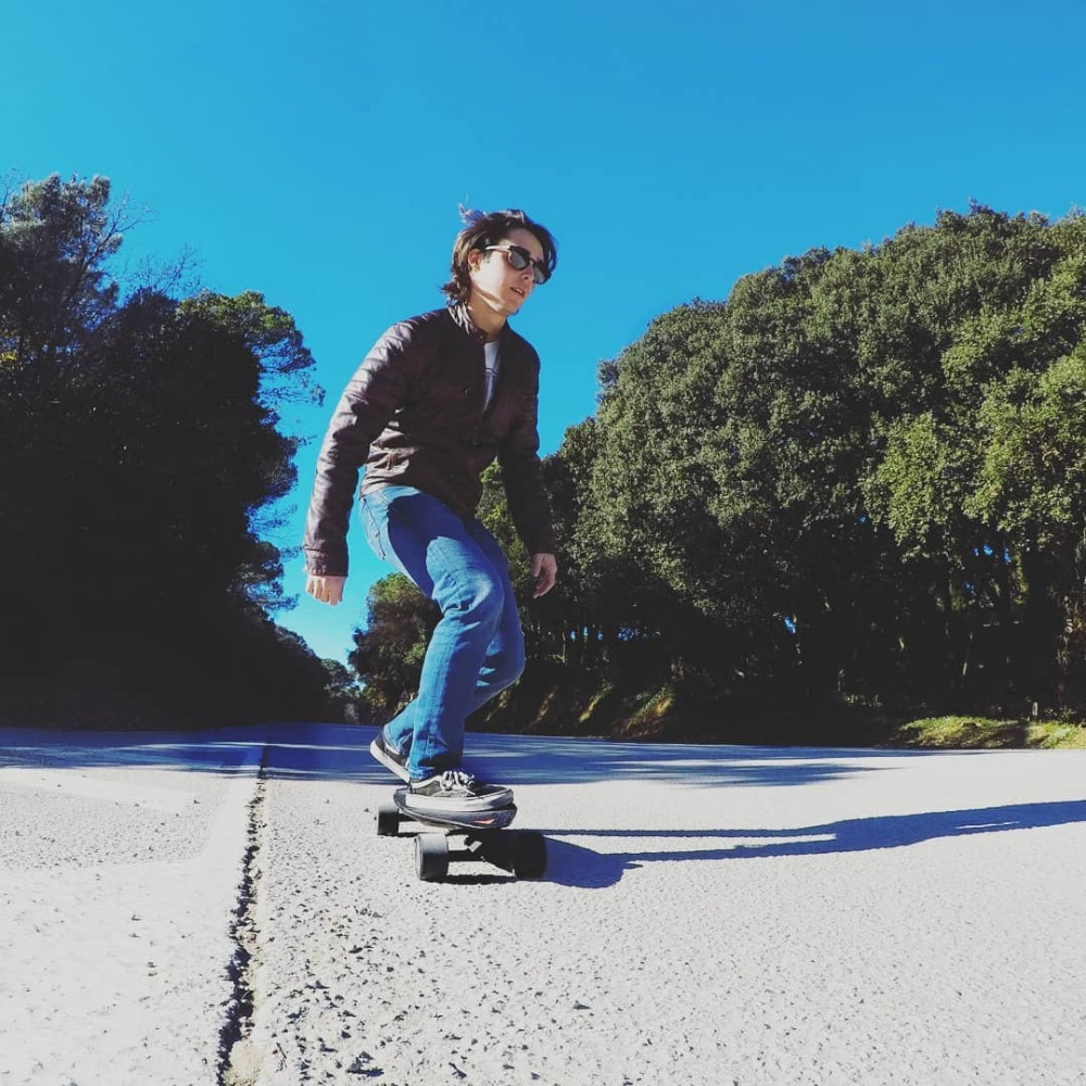 Image 5 - Maxfind 4 輪電動スケートボード最大 2 、ワイヤレスリモコン電動スケートボードロングボード Hoverboard 一輪車  -    グループ上の スポーツ