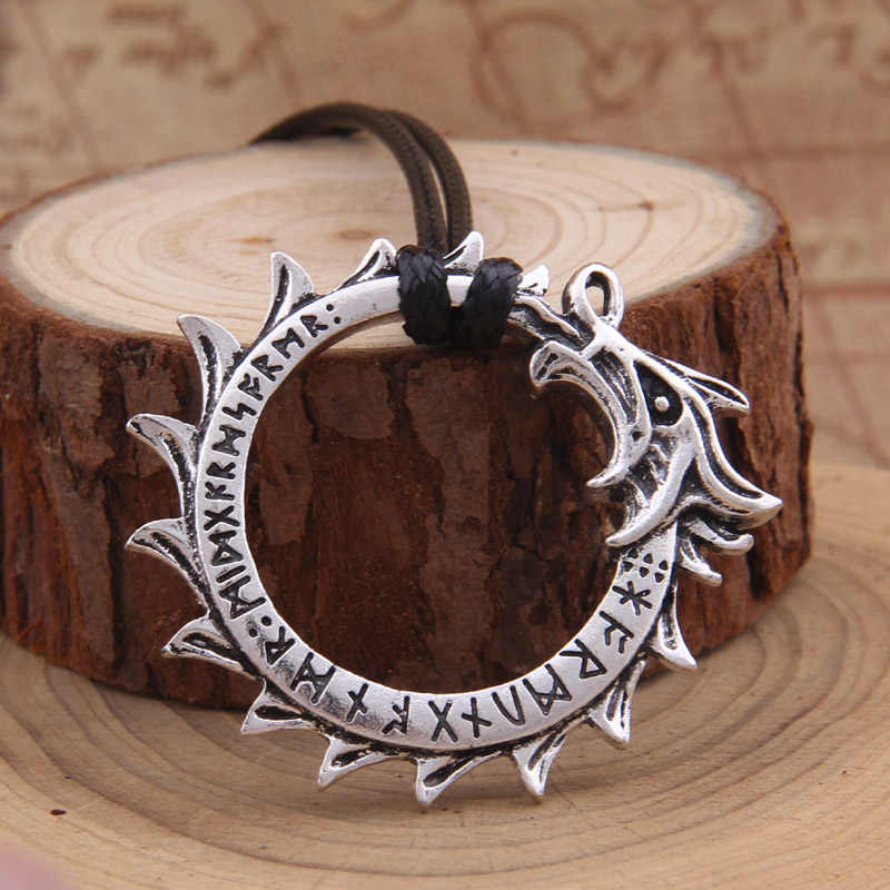 Dragon Viking Icelandic Vegvisir Helmet Horror In Runic Circle Pendant Magical Staves Compass Rune Amulet Collier Necklace