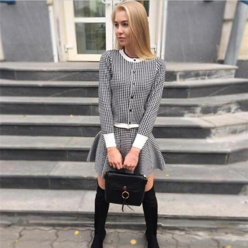 2019 New Spring Knitted Suits Plaid Two Piece Set Women Slim Sweater Cardigan + A-line Short Skirts 2 Pcs Sets Red Twinset