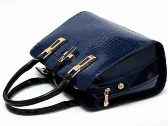 女性の本革のハンドバッグのパテント高級ブランドの女性のバッグ 2018 レディースクロスボディバッグ女性のためのショルダーF328