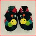 1 Par de Envio de Couro de Vaca Mocassins de Sola Macia Do Bebê Do Bebê Sapatos menino Menina Bebê Recém-nascido Berço Sapatos Primeiros Walkers Grátis grátis