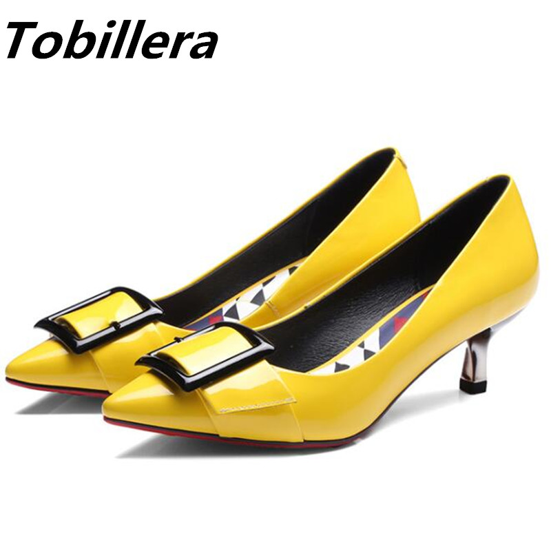 ФОТО Tobillera Spring Summer Thin Low Heels Shinny Patent Leather Dress Shoes Fashion Buckle Upper Pointed Toe Yellow Gray New Pumps