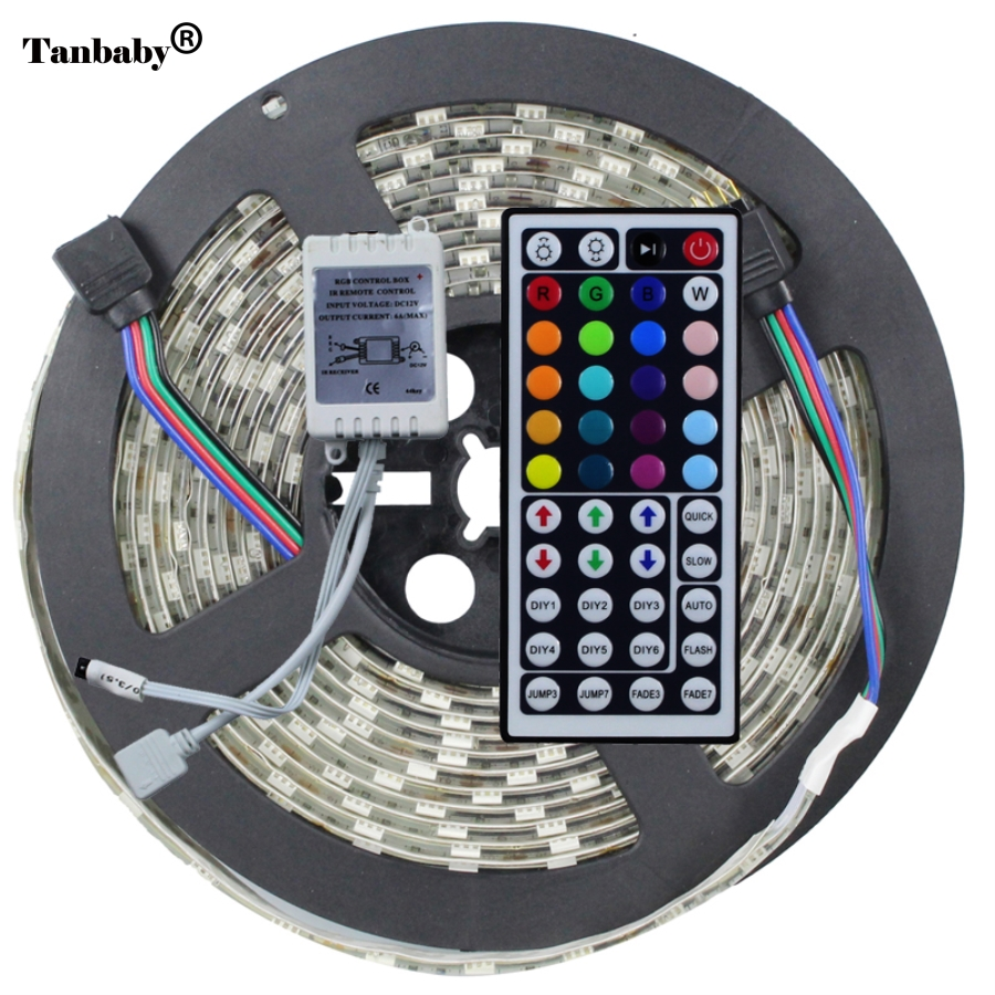 5050 RGB LED Strip Light IP65 Vandtæt DC12V 5 meter 60led / m LED Fleksibel Light Strip med 44Keys fjernbetjening