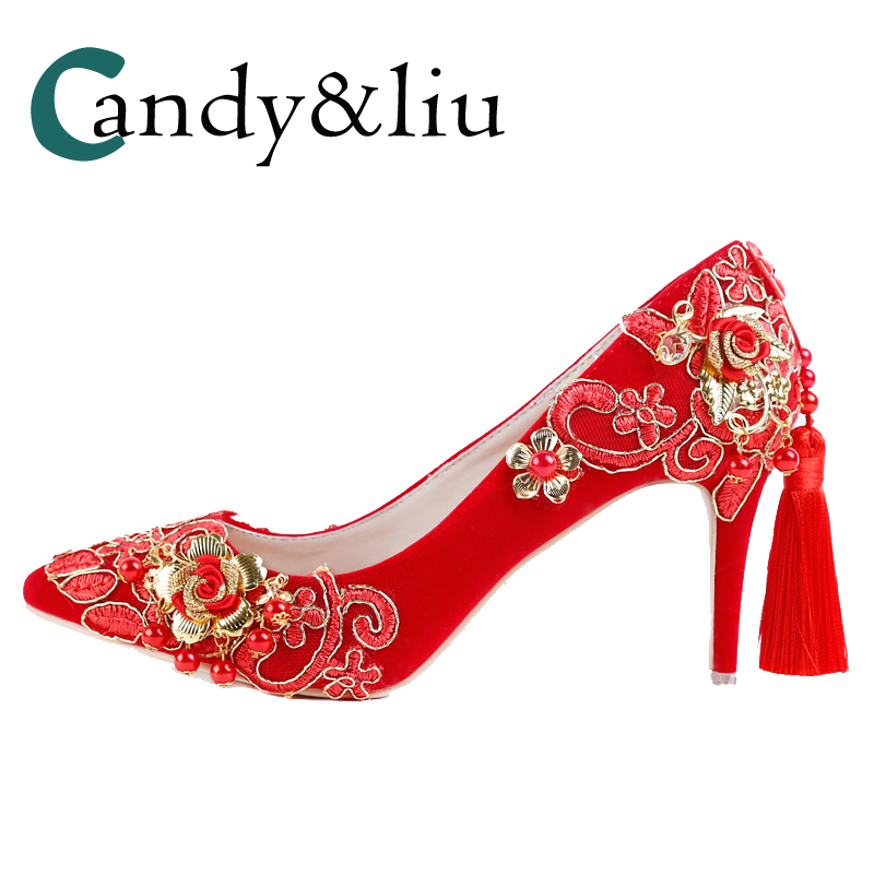 Women Red Wedding Shoes Chinese Royal Court Style Gold Lace Retro Pumps with Tassel Buckled Flexibly Poined Toe High Heels Bride