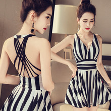 2017 Swimwear Women One Piece Swimsuit Black White Striped Swimming Suit for Women Padded Strappys Sexy Bathing Suit Dress