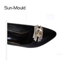 1 пара повседневной спортивной обуви подвески в форме цветов свадебные туфли с пряжкой, на высоком каблуке женские туфли-лодочки аксессуары с украшением в виде кристаллов алмаза зажимы для обуви; обувь на плоской подошве; обувь со стразами
