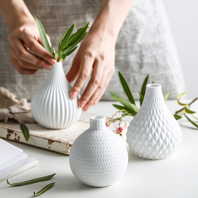 1pc White Ceramic Flower Vase Geometric Matt Vase Drop-shape Plants Hydroponic Container Home Garden Decoration 1