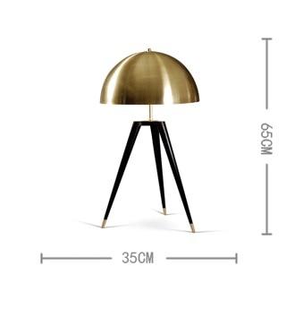 https://ae01.alicdn.com/kf/HTB16h.rm.QIL1JjSZFhq6yDZFXag/Brons-tafellampen-voor-slaapkamer-italiaanse-designer-lampen-replica-lamp-tripot-bureaulamp-mode-verlichting-arc-lamp.jpg