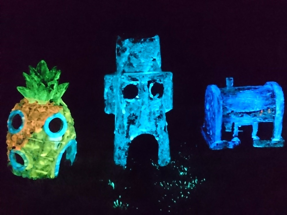Glow in the dark spongebob aquarium decoration fish tank for Glow in dark fish
