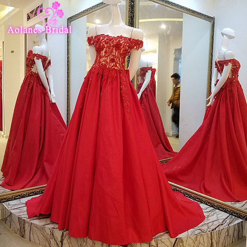 Luxury Pearl Beading Appliques Sequined Sleeveless   Evening     Dresses   Red Satin 2017 New Arrival Boat Neck Ball Gown robe de soiree