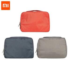Image 1 - 100% המקורי Xiaomi 90 נשים איפור קוסמטי מקרה 3L קיבולת תיק Travelling תיק גברים לשטוף תיק Rylon עמיד למים אחסון תיק