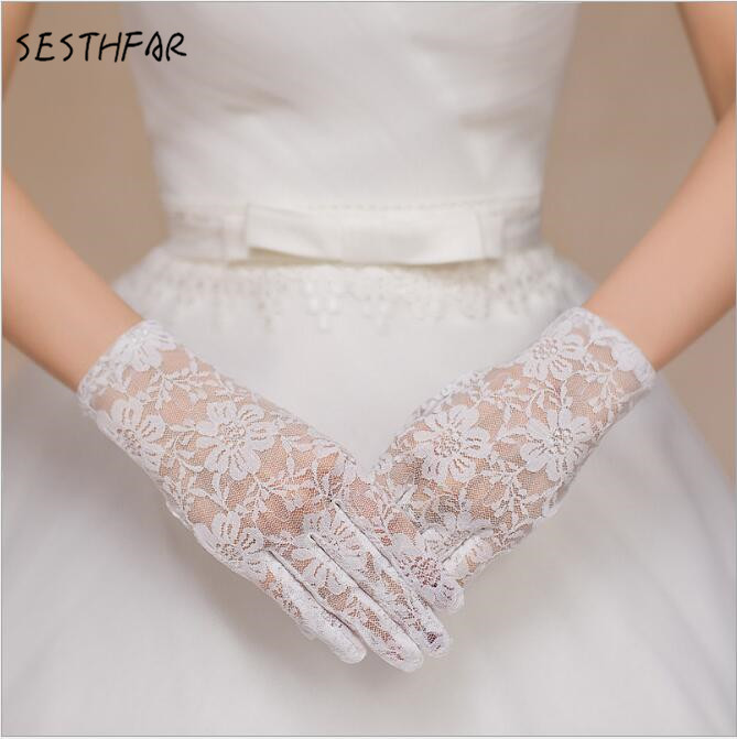 Fashion White Lace Short Wedding Bridal Gloves 2018 Wedding Accessories luva de noiva