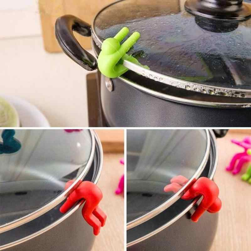 Kitchen Accessories Cooking Gadgets Silicone Anti Overflow Lid Holder Soup Funny Man Phone Holder Stand Universial Kitchen Tool