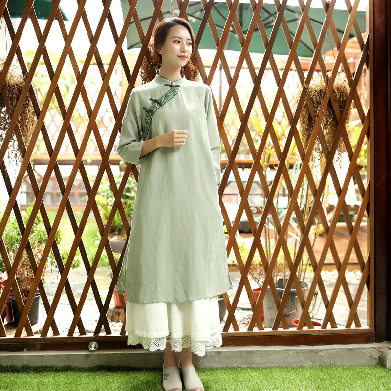 Littéraire Original coton lin femmes automne nouveau Style chinois rétro col montant broderie plaque bouton robes vert