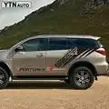 Adesivi per Auto 2Pcs 4X4 Off Rospo Traccia di Pneumatico per Lo Styling Auto Porta Laterale Grafici Vinili Accessori Auto Decalcomanie su Misura per Toyota Fortuner