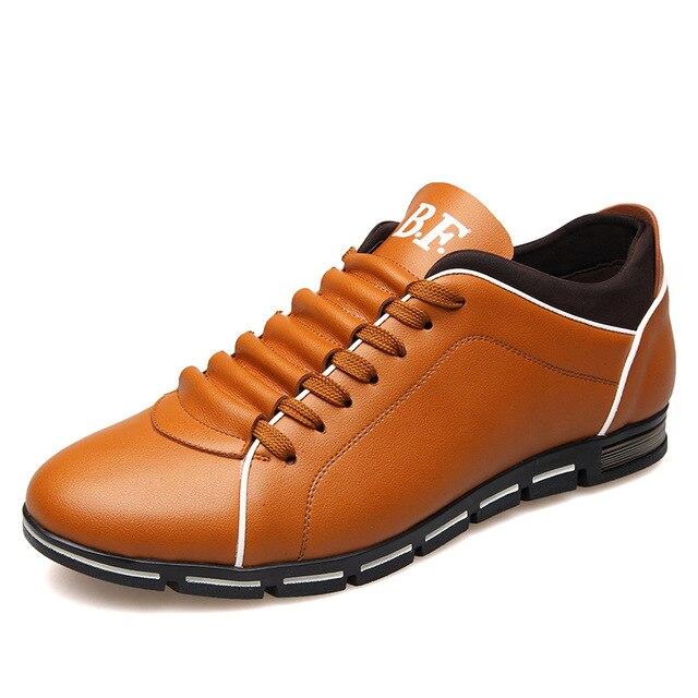 2017 Resorte de La Manera de Los Hombres Pisos Lace up de Alta Calidad de Color Sólido de Gran Tamaño Masculino Zapatos Casual Venta Caliente