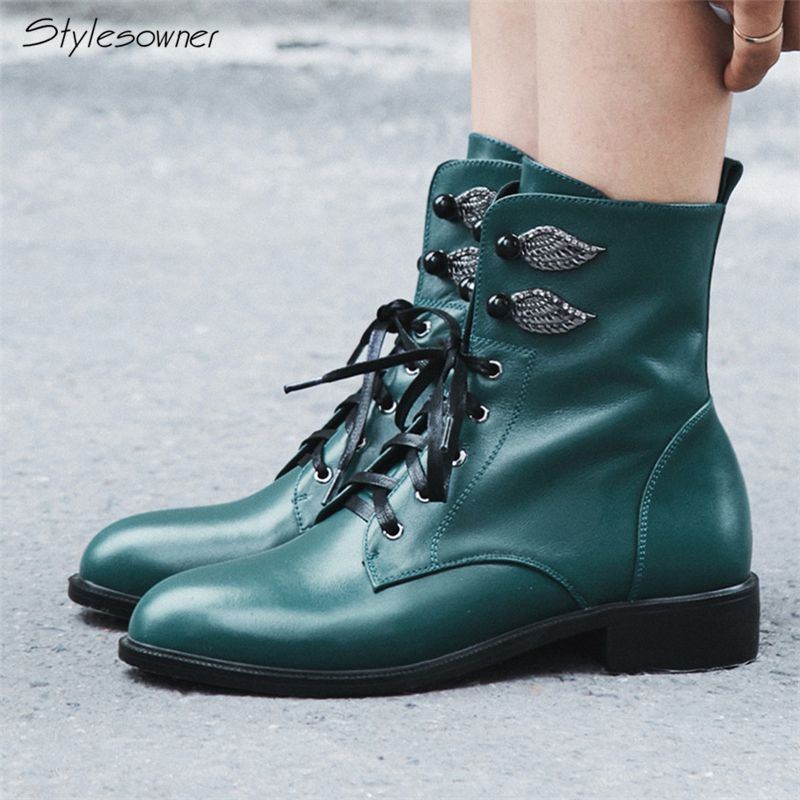 Stylesowner Genuine Leather Footwear 2018 New Arrival Ankle Boots Zipper Feminine Shoes Metal Wing Botas Party Ankle MartinBootsStylesowner Genuine Leather Footwear 2018 New Arrival Ankle Boots Zipper Feminine Shoes Metal Wing Botas Party Ankle MartinBoots