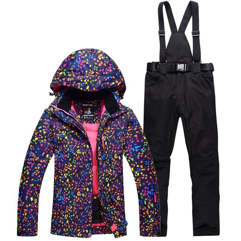 Più poco costoso donna sci vestito di set di snowboard abbigliamento impermeabile antivento di inverno Neve Costumi giacche + bavaglini pantaloni tuta Da Sci Caldo