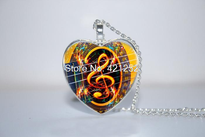 ξ10 Unids Lote Clef Agudo Y Guitarra Colgante Collar De La Música Treble Clef Corazón Collar Cristal De La Foto Collar Cabochon A117