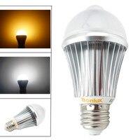 PIR Motion Sensor LED Light Bulb 7W E27 Human Motion Sensor Lamp Replace 75W Halogen Bulb for Warehouse Lighting
