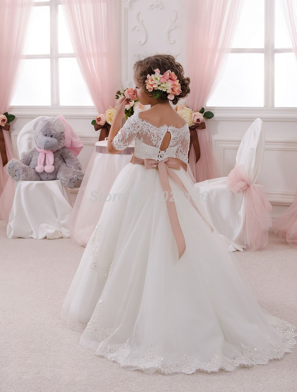 Hot White Ivory Lace Flower Girls Dresses Sweep Train Girls First Communion Dress Princess Dress Ball Gown new hot pretty ivory or white appliques tulle beads sash flower girl dresses with train white girls first communion dresses