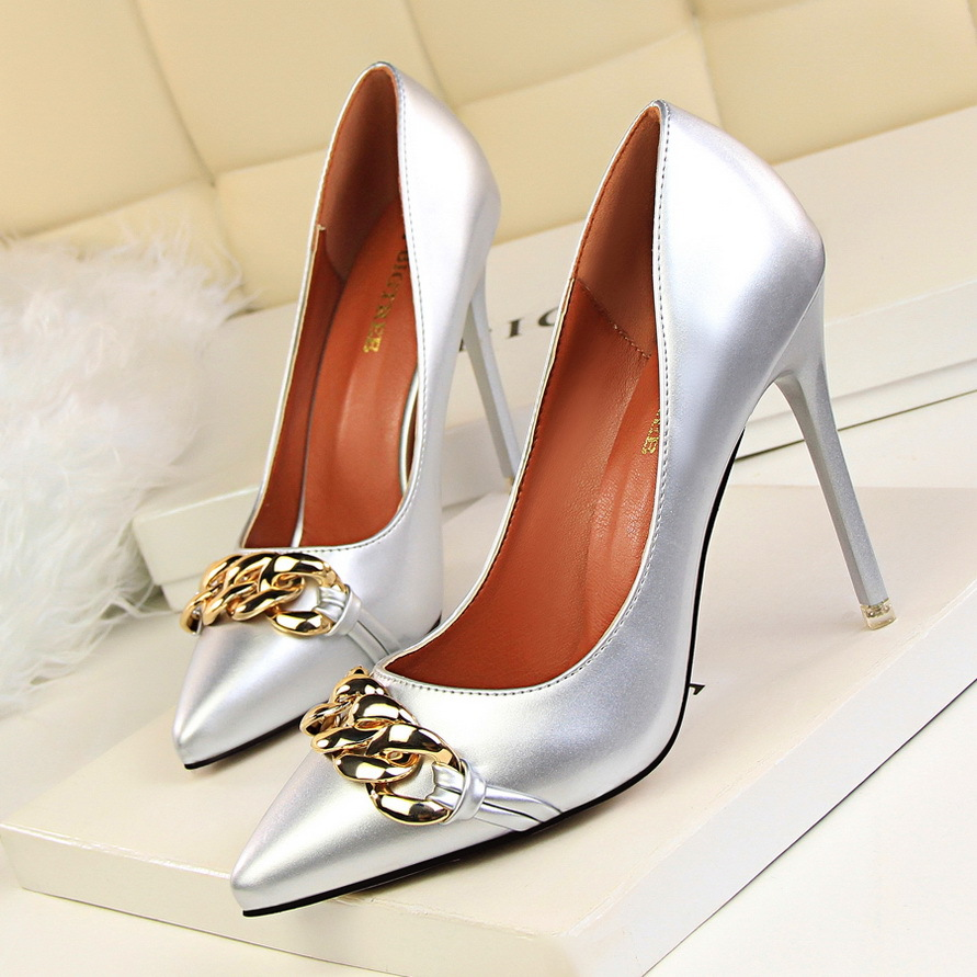2017 New Women Sexy Pumps Fashion High Heels Shoes Thin Heeled Shallow Mouth Pointed Metal Chain Buckle Single Shoes 2017 spring autumn shoes shallow mouth pointed toe fashion high heeled velvet thin heels pumps office party shoes