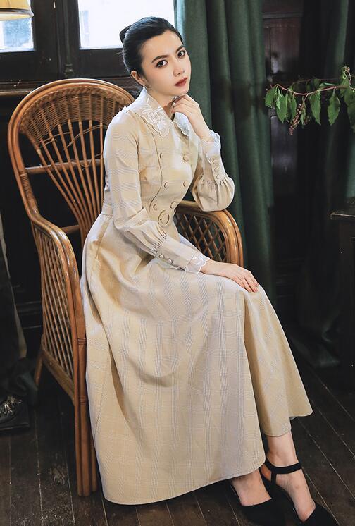 Haute qualité Best-seller automne hiver nouveauté fleur broderie Peter Pan col Plaid femme longue robe avec ceinture