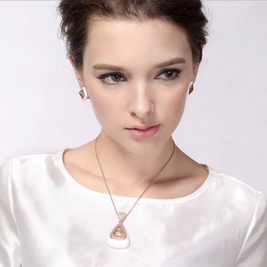 Retro Rose Gold Plated Pendant Necklace