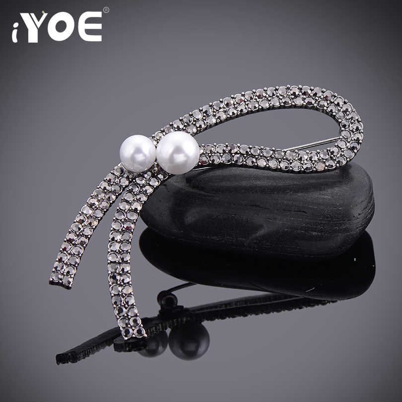 Iyoe Antik Perak Kristal Bros Buket untuk Pernikahan Romantis Alphabet Rhinestone Disimulasikan Bros Mutiara Syal Klip Perhiasan