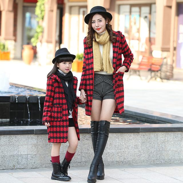 2016 de Invierno de Algodón Madre Hija Ropa Trajes A Juego Ocasional Prendas de Vestir Exteriores de la Familia de manga Larga Argyle Abrigos Para Señoras de Las Muchachas
