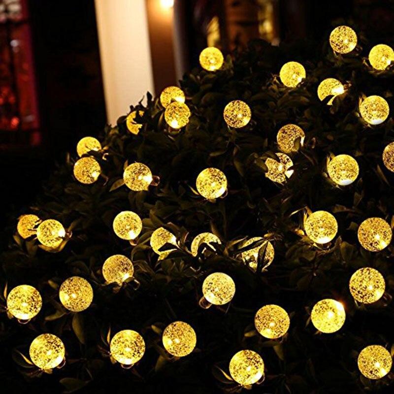 2 paquets de lumières de chaîne de Globe actionnées solaires 30 LED 21ft imperméables 8 Modes lumières de boule de cristal de noël pour extérieur d'intérieur
