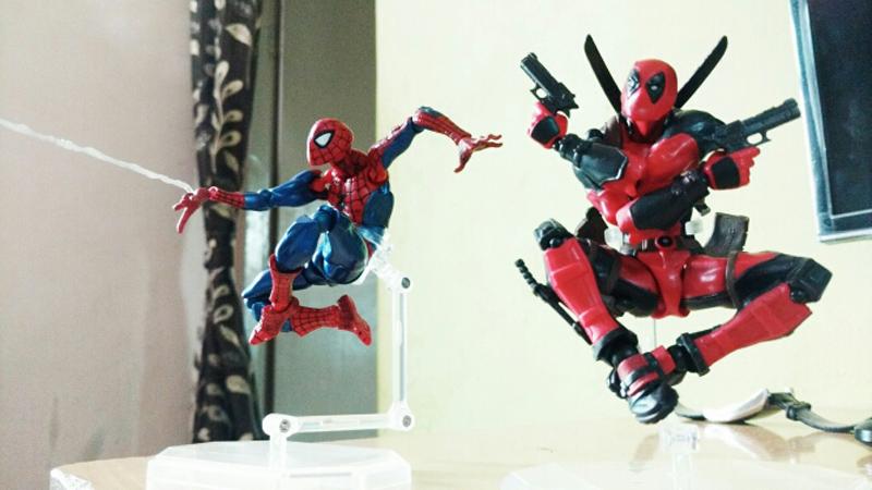 FIGMA Series NO.003 Revoltech Venom No.002 Spiderman No.001 Deadpool With Bracket PVC Action Figure Collection Model Toy 15cm (12)