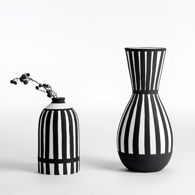 Classic Black White Flower Vase Ceramic Vase For Dried Flowers