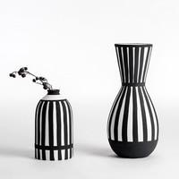 Classic Black White Flower Vase Ceramic Vase For Dried Flowers desktop vase wholesale