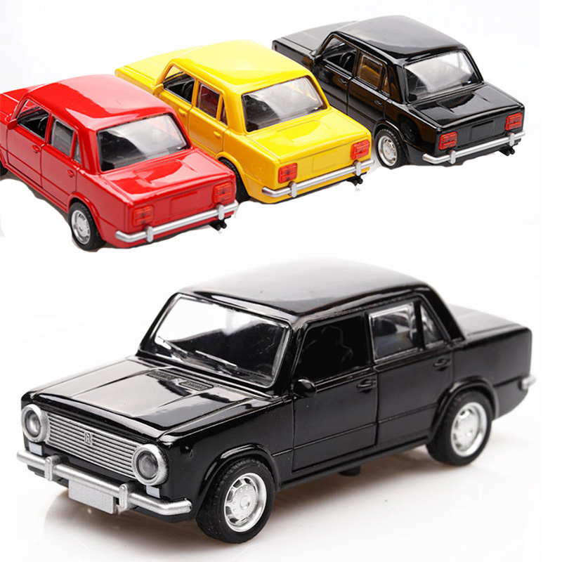 3 Colors High Simulation LADA 1:36 Alloy Car Model Russian Diecast Vintage Metal Car Castings Collection Classic Model Toys V011