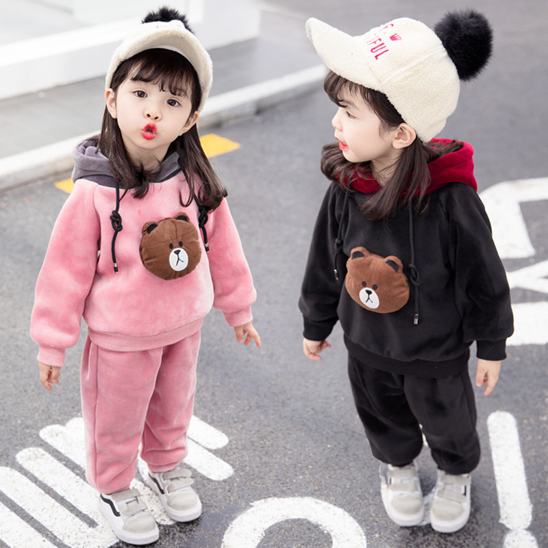 2018 winter thick Cashmere girl clothes sets Keep warm fashion cotton baby Plus thick velvet 3 pieces children clothing suits2018 winter thick Cashmere girl clothes sets Keep warm fashion cotton baby Plus thick velvet 3 pieces children clothing suits