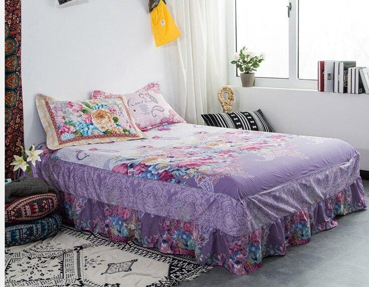 Юбка и покрывало кровать