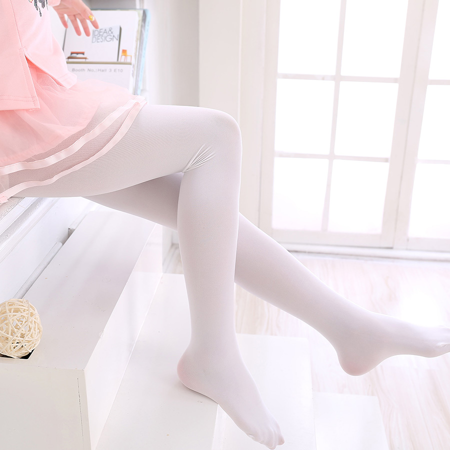 pantyhose-with-socks-ass-and